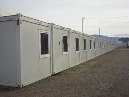 JAMART LOCATION MODULAIRE livre 31 modules vestiaires neufs pour l'arrêt de maintenance d'une usine